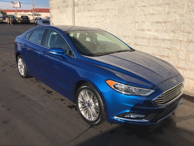 Pre-Owned 2017 Ford Fusion 4d Sedan SE AWD