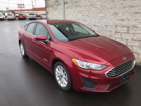Pre-Owned 2019 Ford Fusion Hybrid 4d Sedan FWD SE